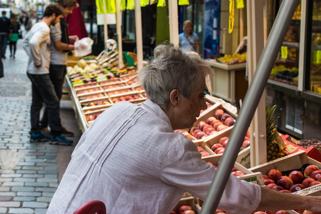 Produce shopping in the 7th arrondissement